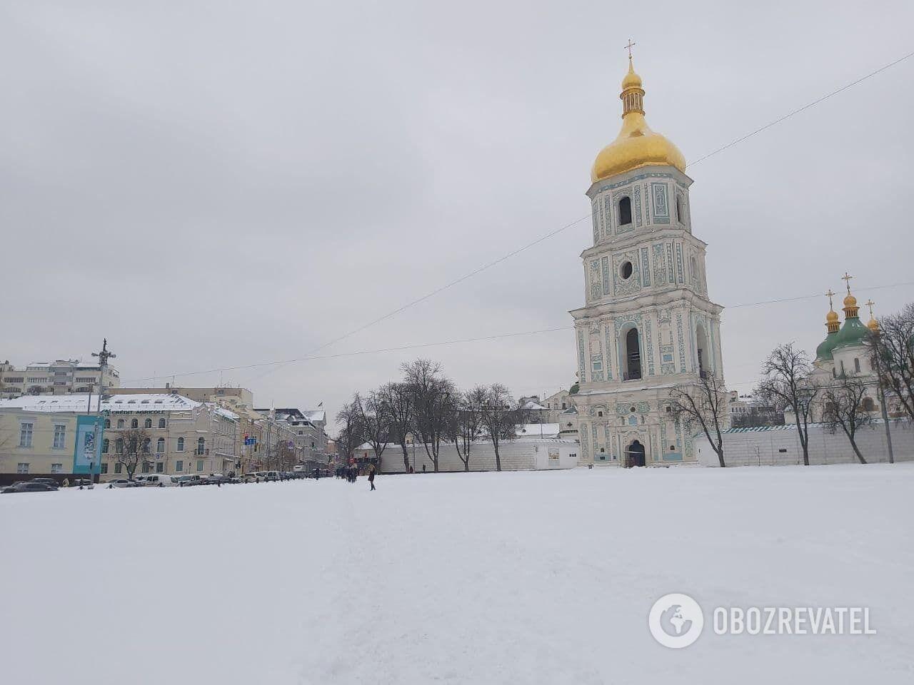 К уборке Софийской площади еще не приступали.