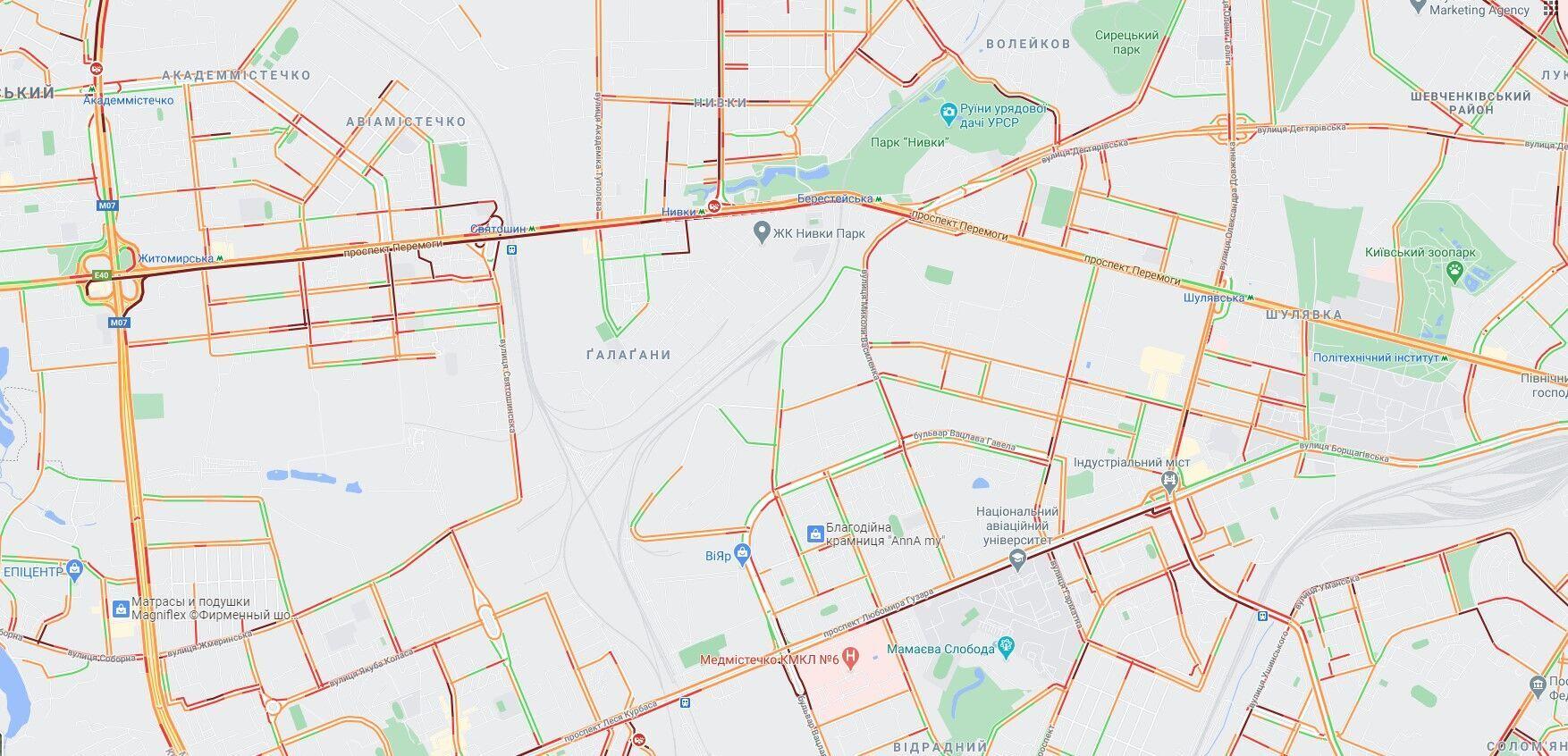 Многокилометровые пробки на улицах Киева.