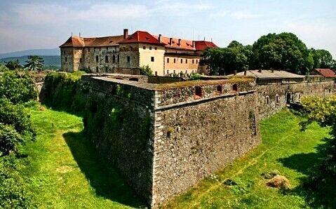 Ужгородський замок на Закарпатті.