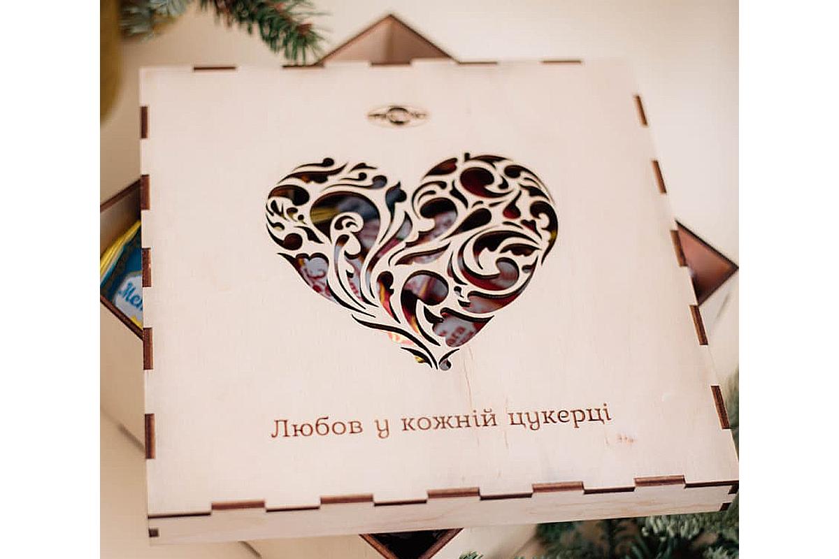 Шоколадные подарки лучше продемонстрируют вашим женщинам, как сильно вы их любите.