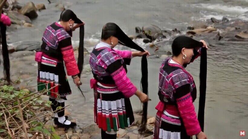 Китайская провинция Хуанло известна девушками, у которых волосы длиной как у Рапунцель