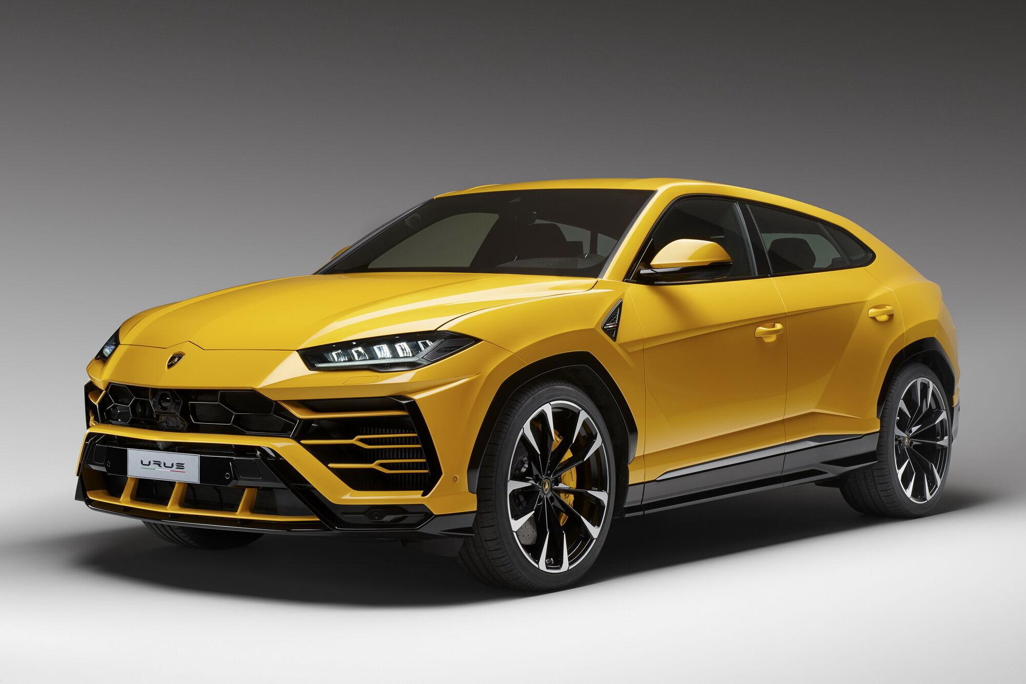 Спортивный кроссовер появился в гамме Lamborghini в 2018 году