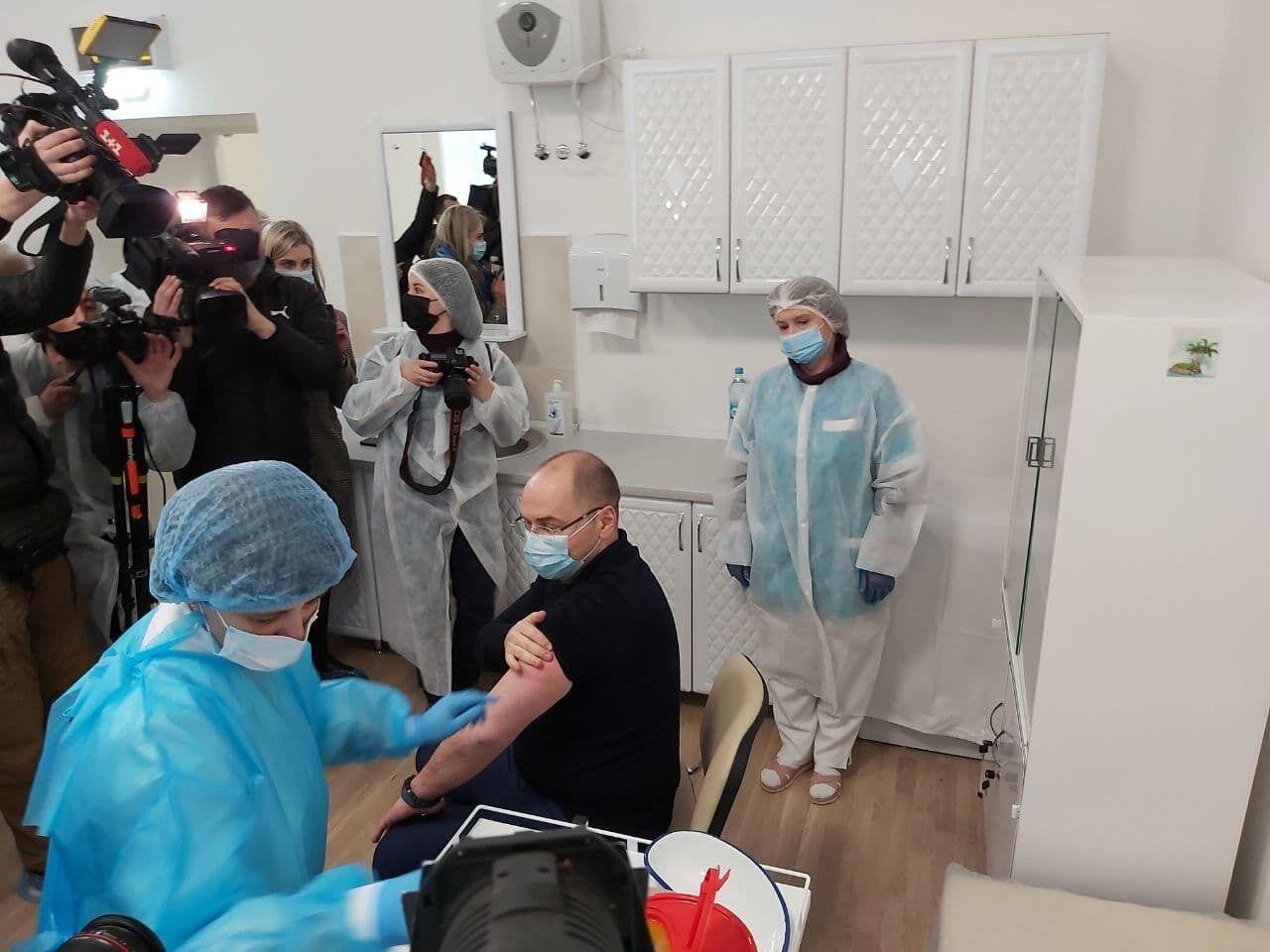 Глава МОЗ Украины Степанов вакцинировался.