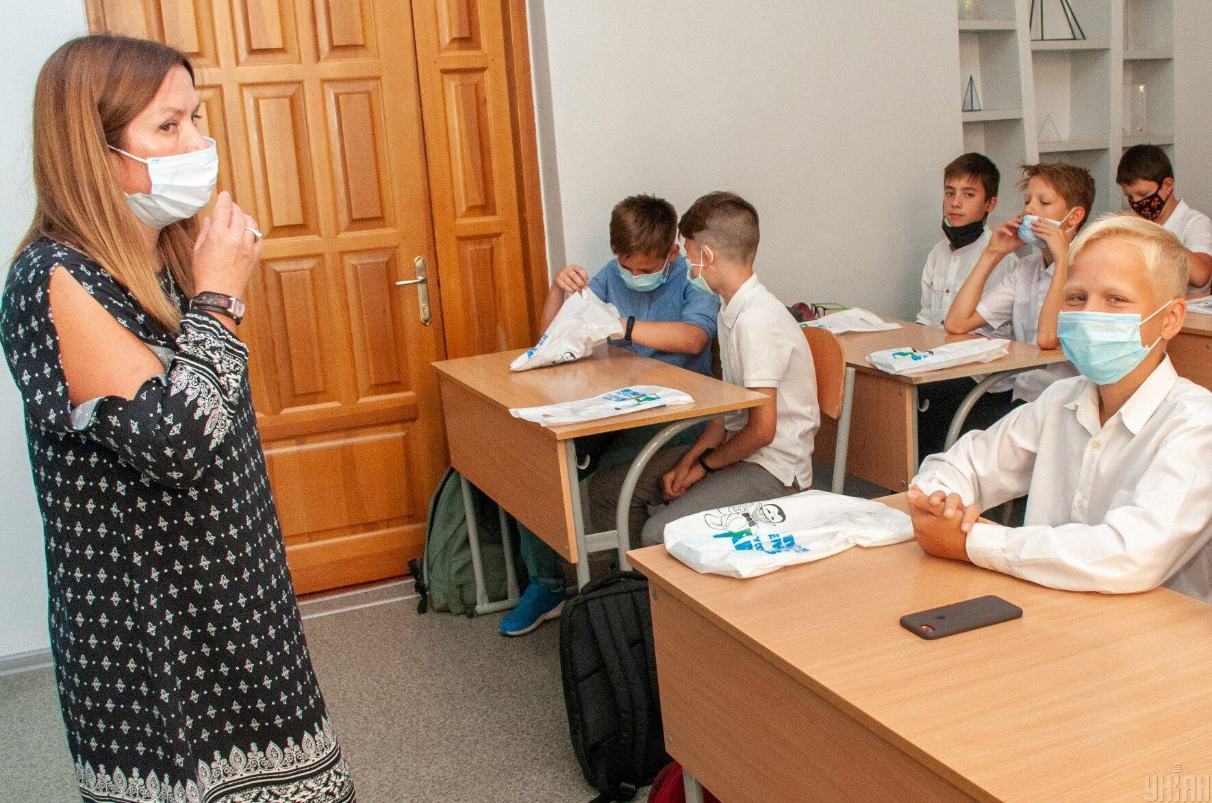 В некоторых городах весенние каникулы в школах начались раньше из-за увеличения случаев COVID-19 среди учеников и учителей