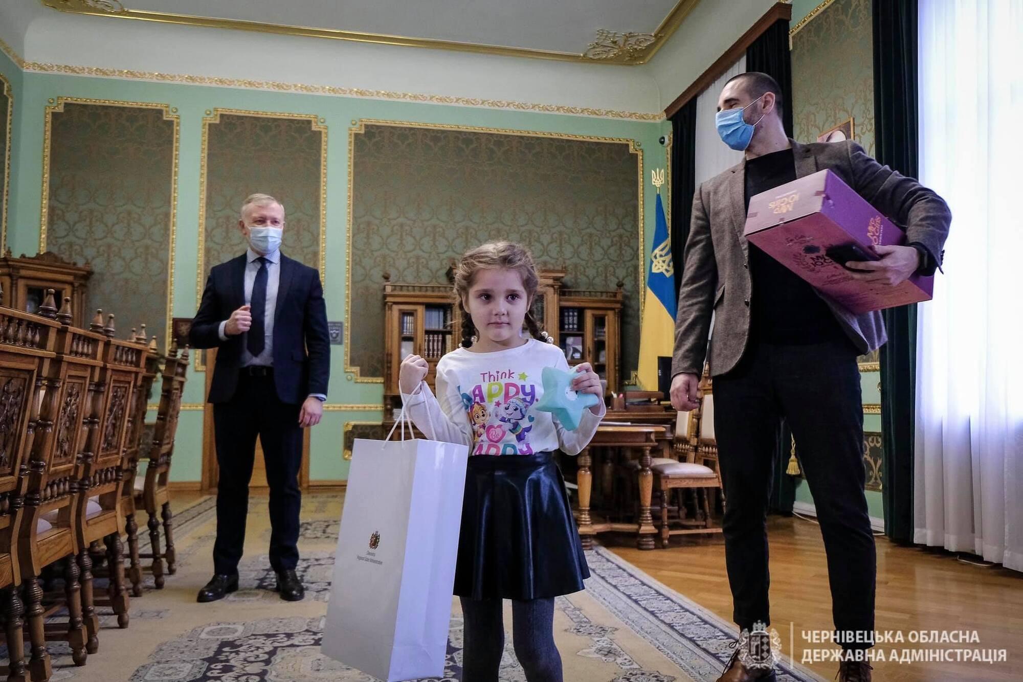 Отец девочки поблагодарил президента за реакцию.