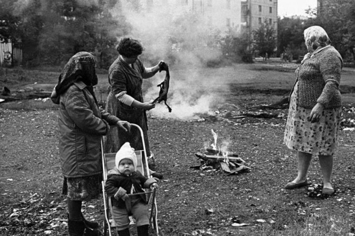 В СРСР жінки обпалювали курячі тушки
