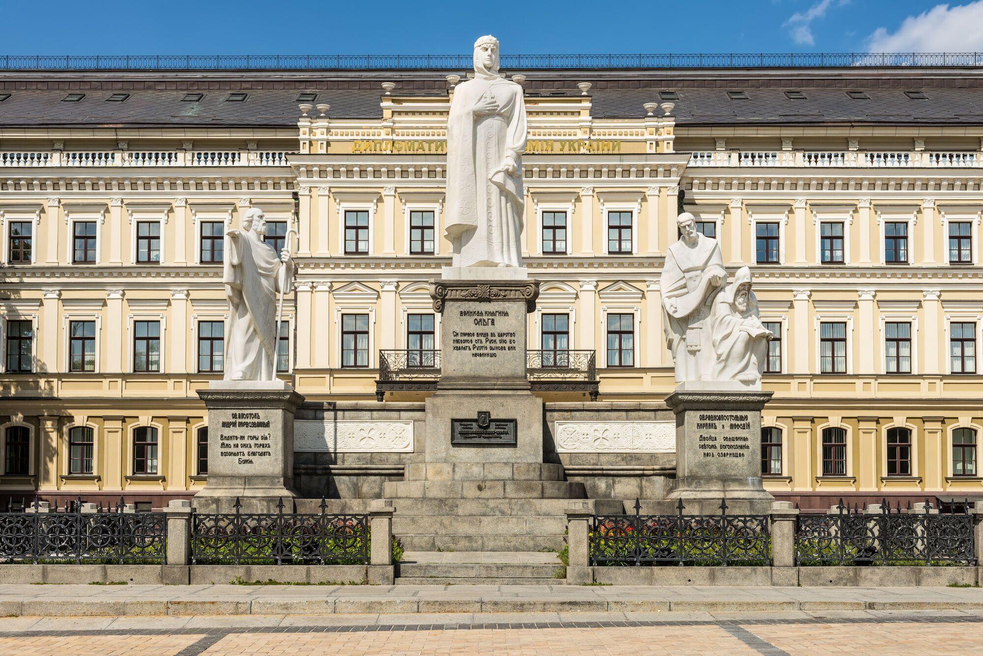 Монумент княгини Ольги возродился из пепла