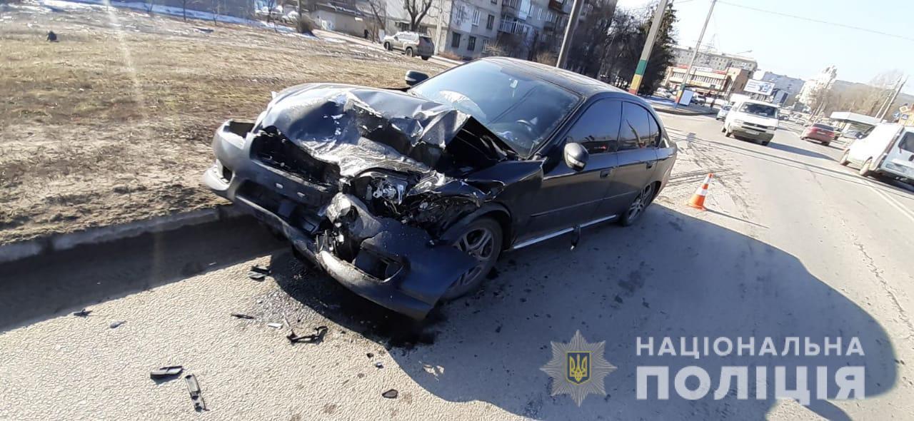 Водій ВАЗа від отриманих травм помер у швидкій