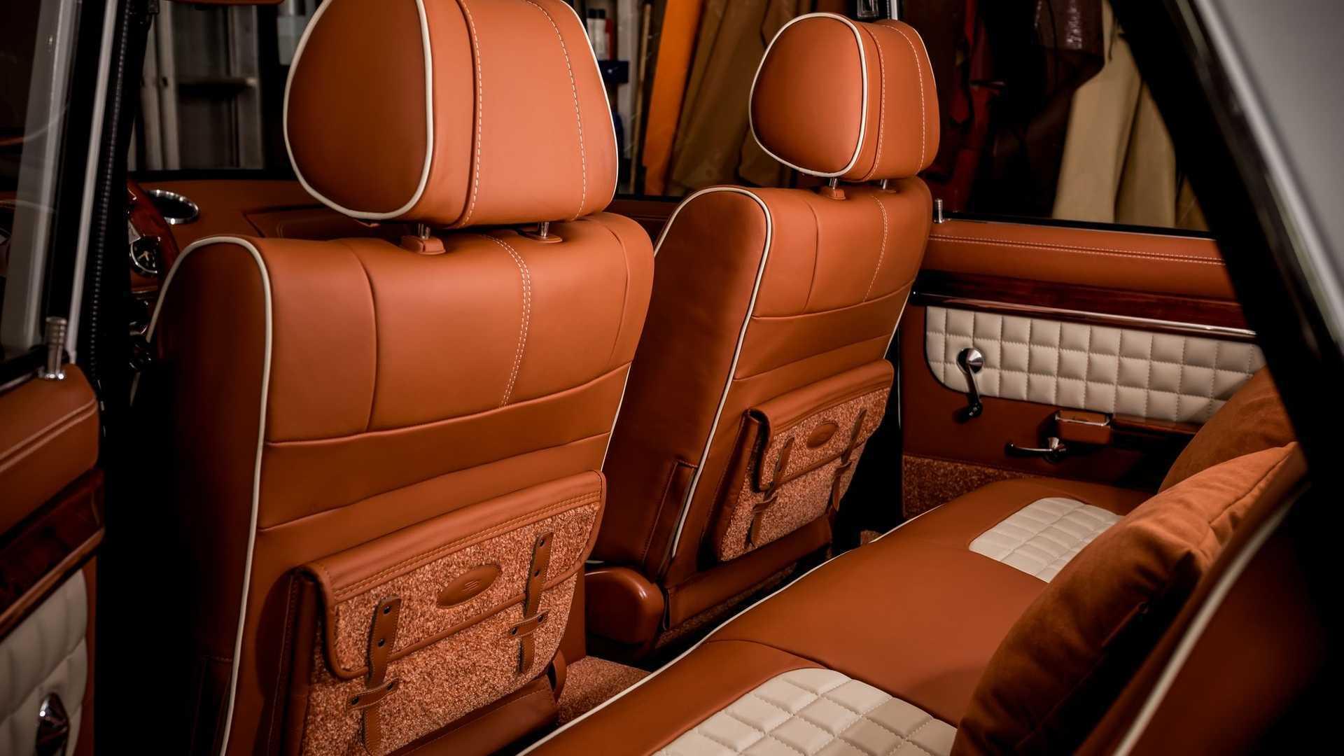 Кожаные подушки Nappa для пассажиров на задних сиденьях