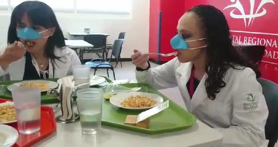 Назальну маску проти COVID-19 можна не знімати під час їди