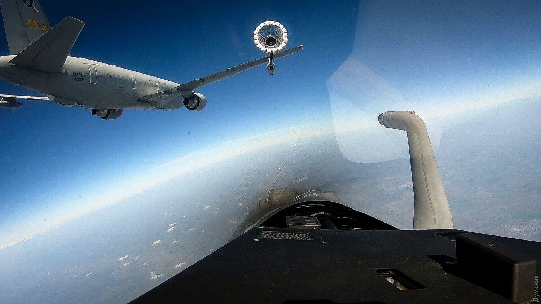 Самолеты НАТО имитировали атаку группы минных тральщиков