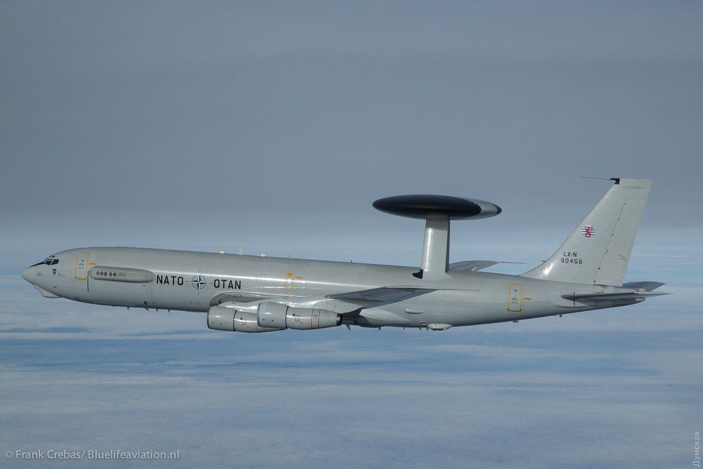 Самолеты НАТО устроили маневры над Черным морем