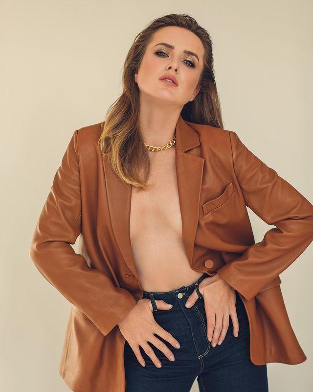 Еліна Світоліна у шкіряній куртці