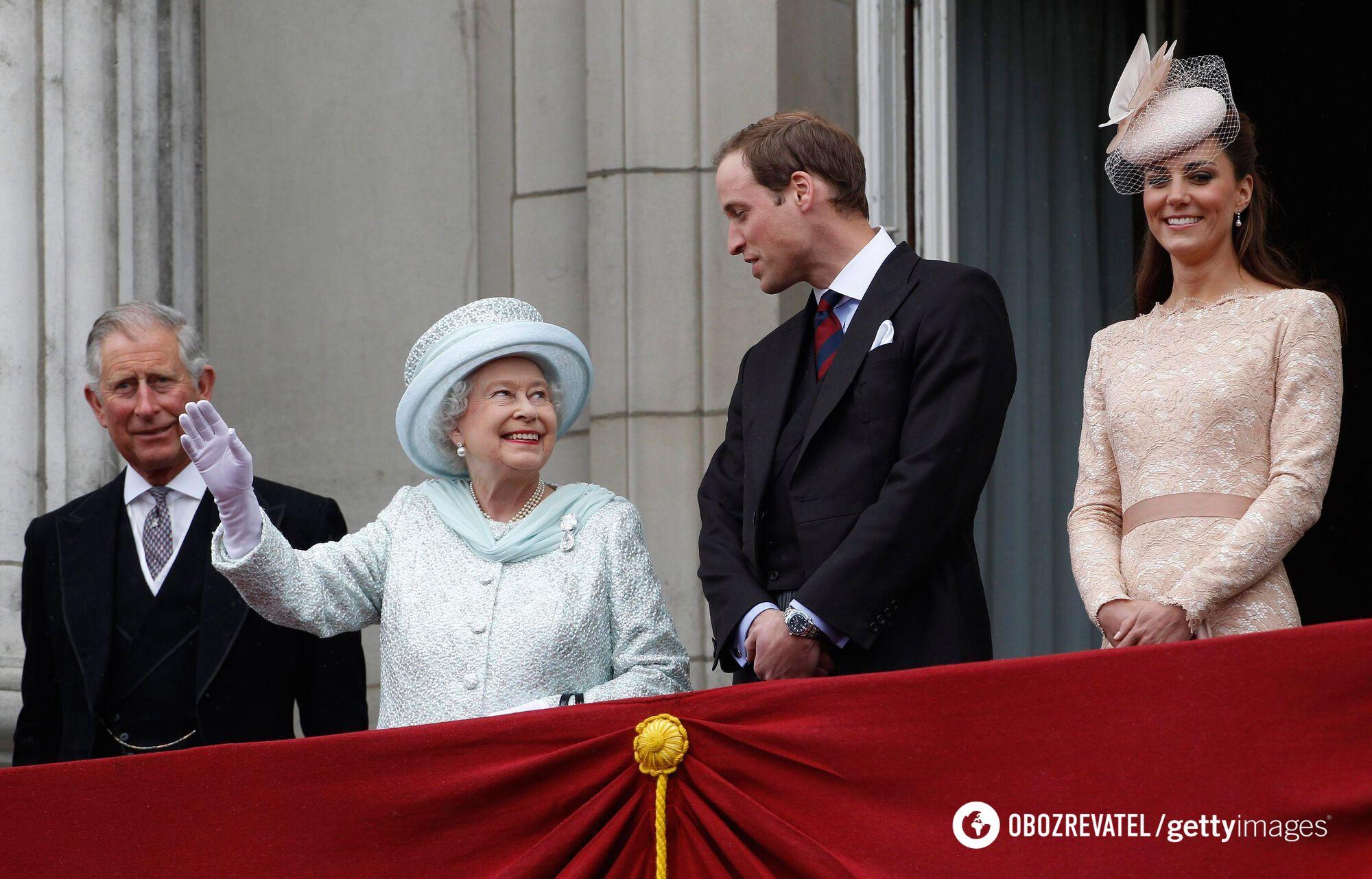 Принц Чарльз, Єлизавета II, принц Вільям і Кейт Міддлтон