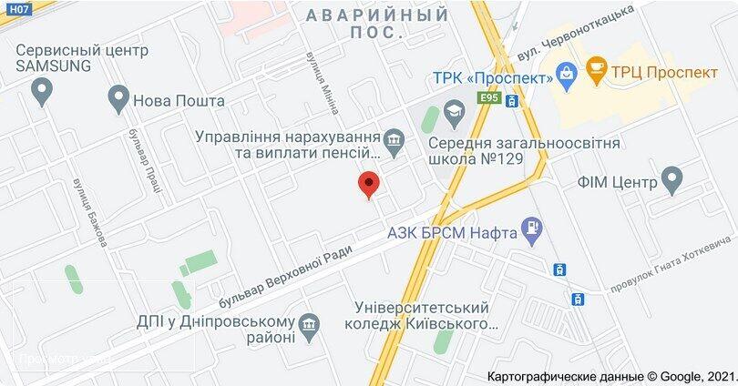 Грабіжник увірвався у квартиру одного з будинків на вул. Мініна в Києві