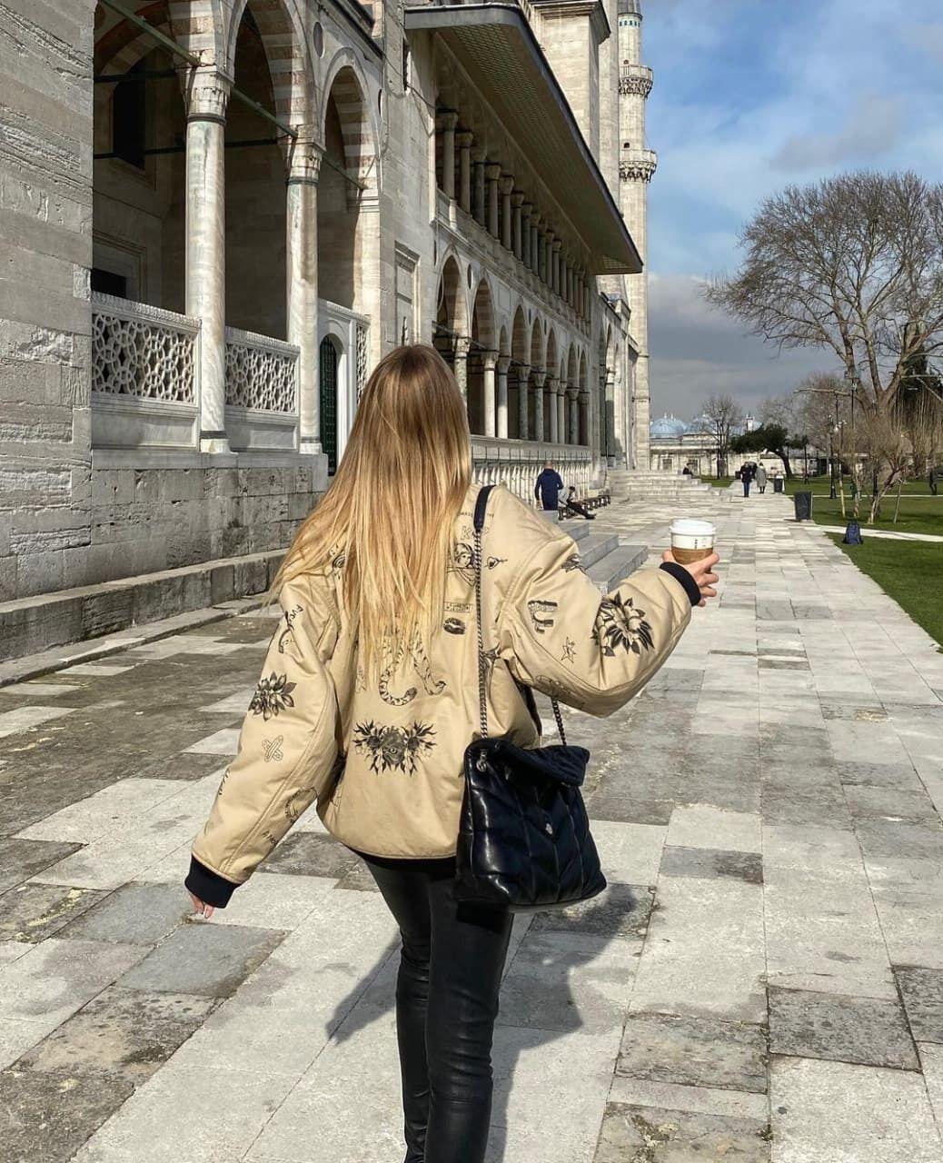 Леся Никитюк гуляет по Стамбулу