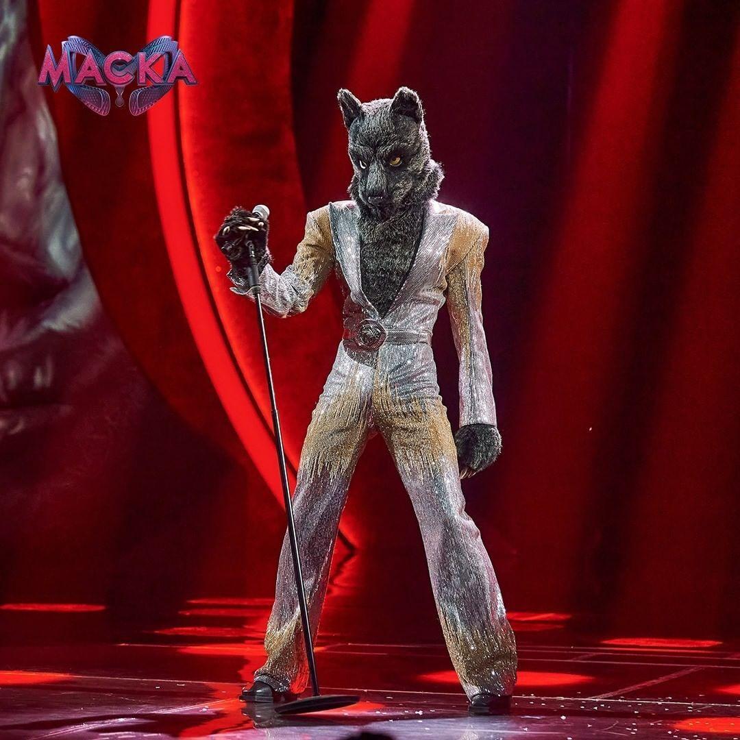 """Учасник в образі Вовка на шоу """"Маска"""""""