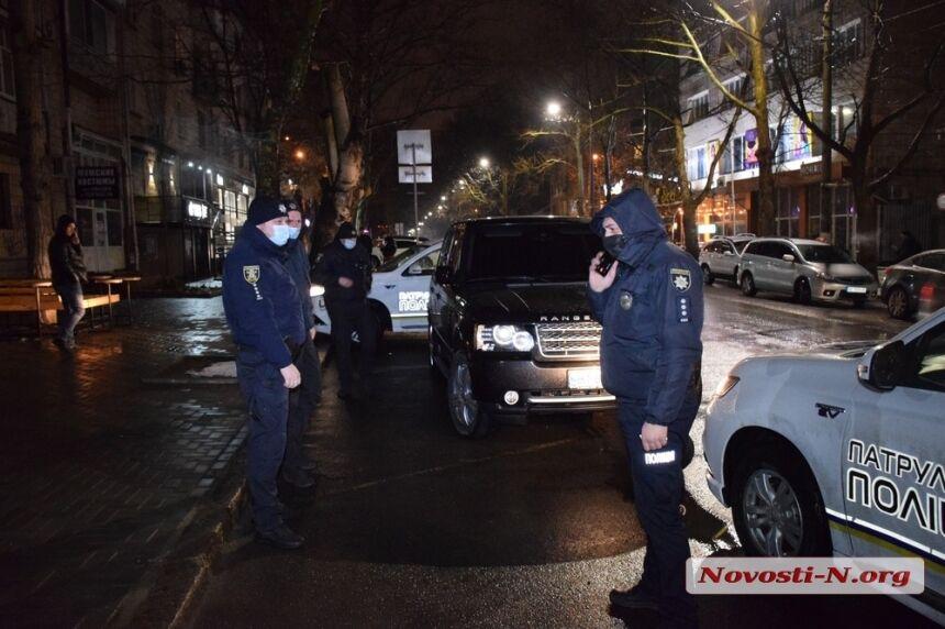 У Миколаєві п'яний чиновник на авто тікав від поліції та пропонував хабар. Фото