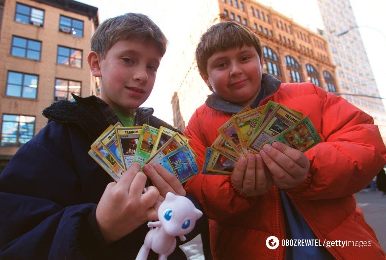 Карты и фишки с покемонами были тогдашней валютой.