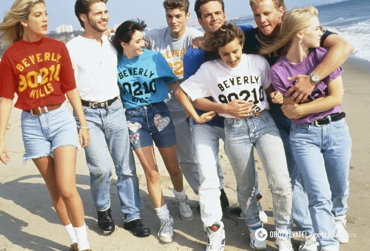"""Сериал """"Беверли-Хиллз"""" был обожаемым для молодежи."""
