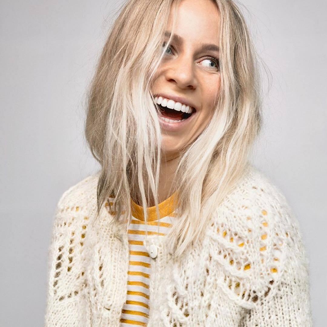Тіріл Екгофф і її білосніжна посмішка