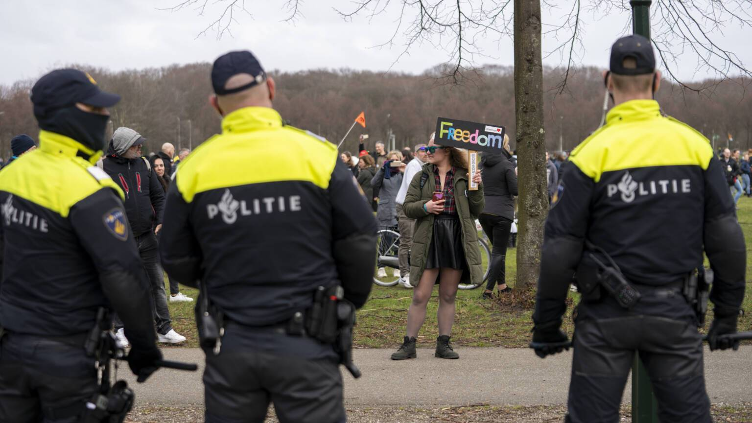 В Гааге протестовали против карантина