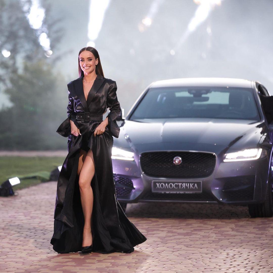 Ксения Мишина призналась, что некоторые девушки в проекте ведут себя неуважительно к себе.