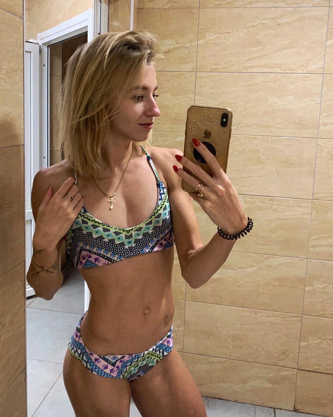 Наталья Пироженко в купальнике