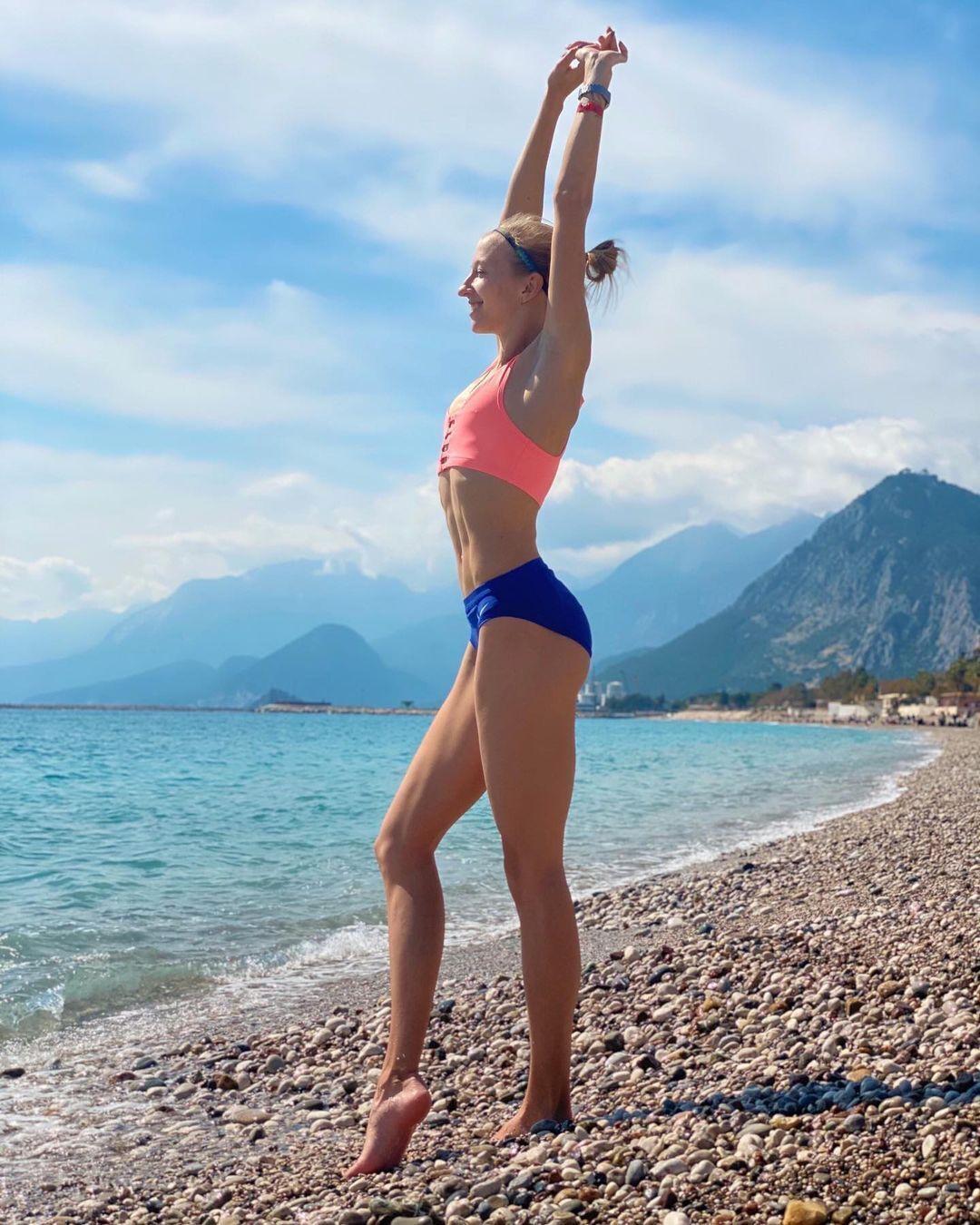 Наталья Пироженко на пляже