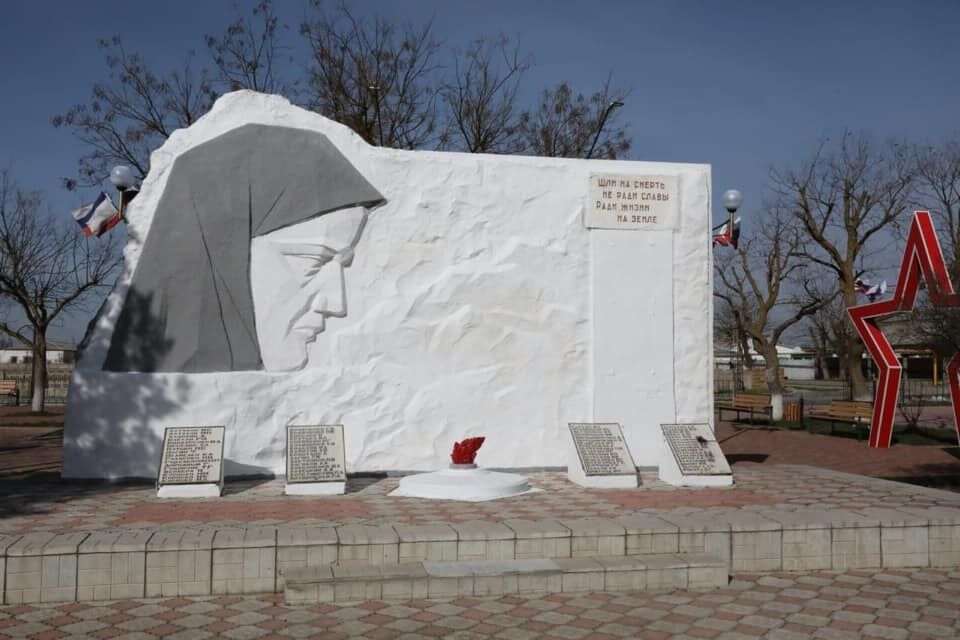 """Новини Кримнашу. """"Туга за ситим і безтурботним життя перетворила Україну для багатьох ватників на новий СРСР"""""""