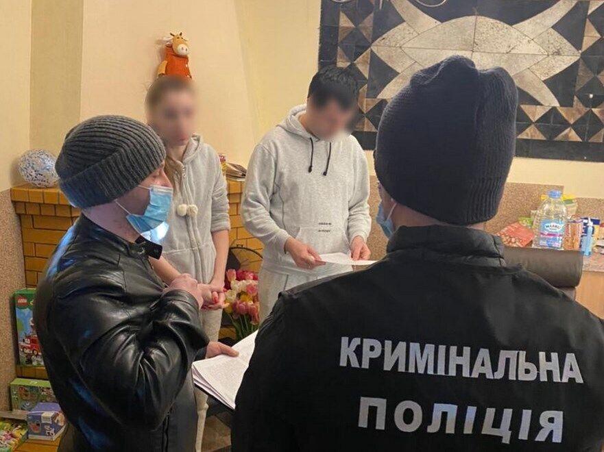 У Київській області затримали шахрайку.