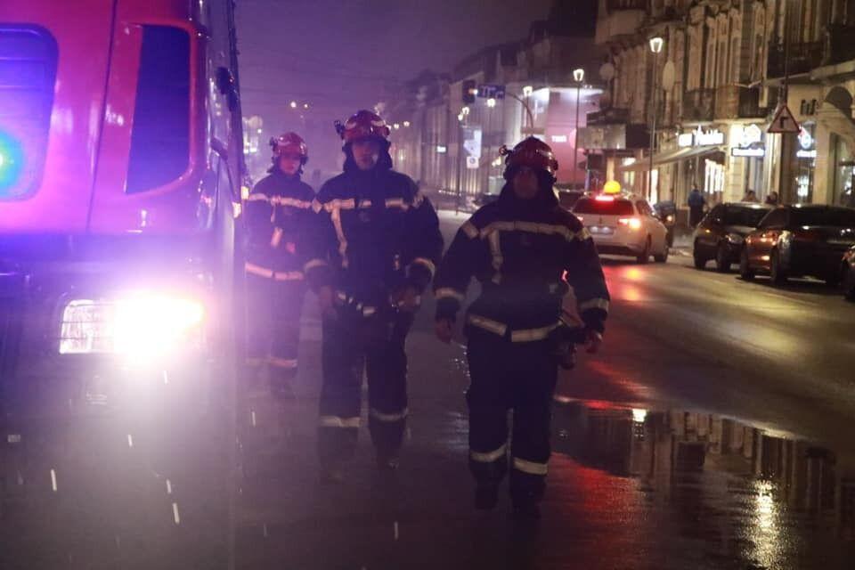На месте работали пять машин спасателей