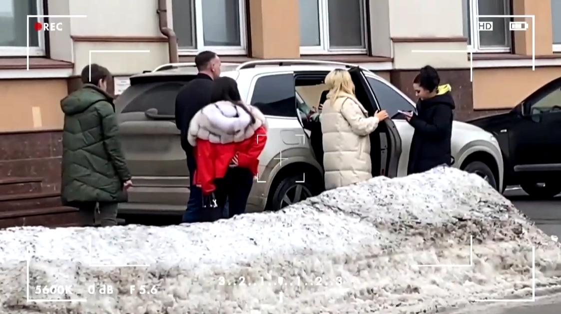 Наталья Могилевская разъезжает на машине Volvo