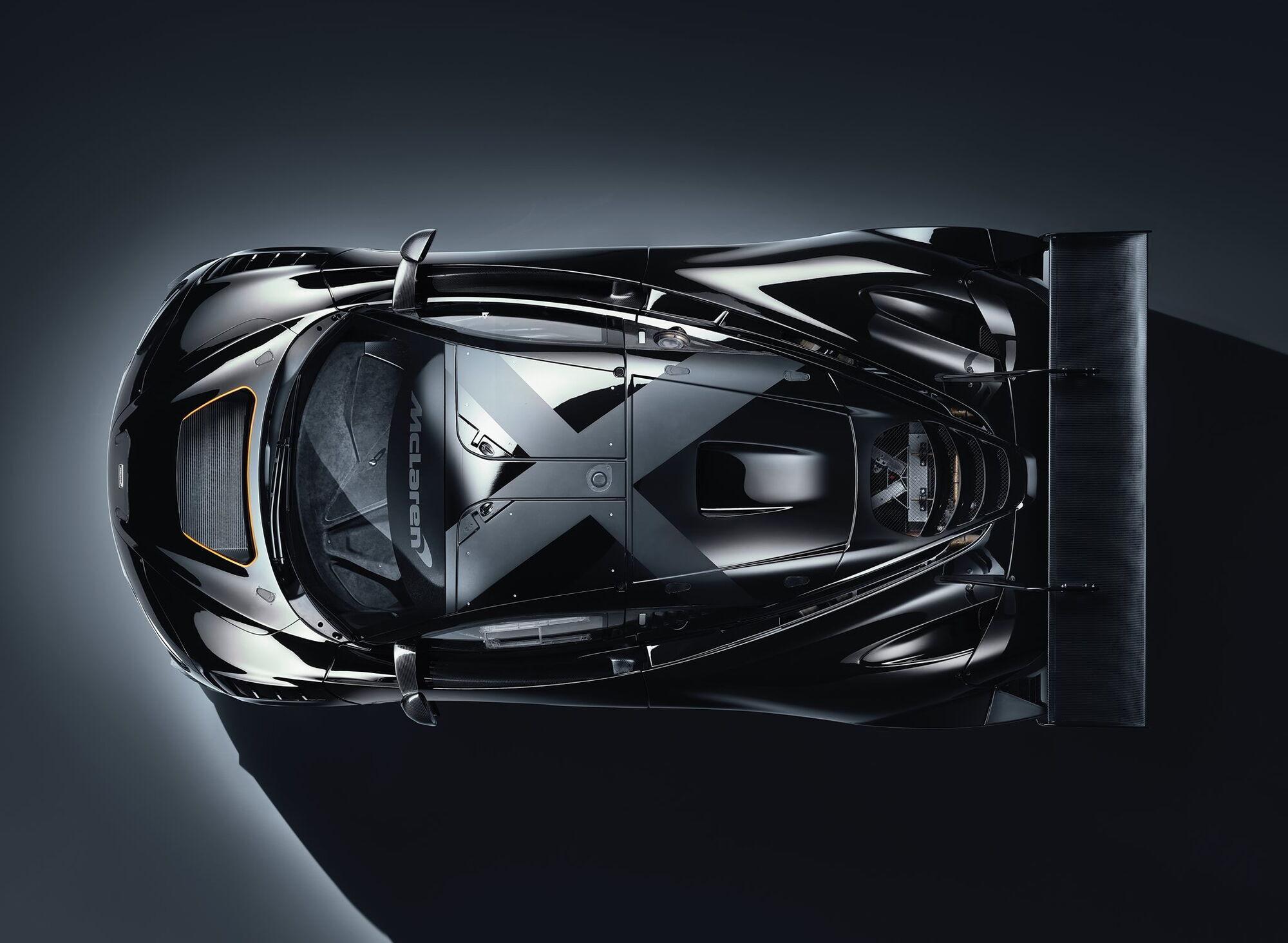 GT3X отримав 4-літровий V8 із двома турбонагнітачами, який розвиває 720 к.с.