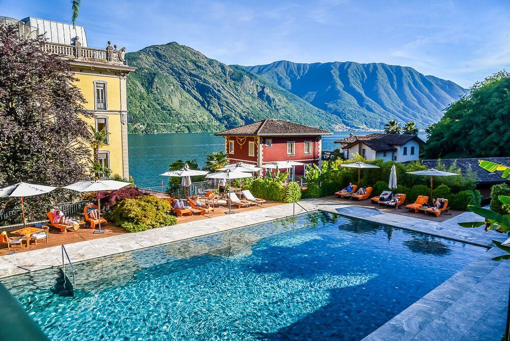 Отель Grand Hotel Tremezzo расположен на озере Комо в Италии.