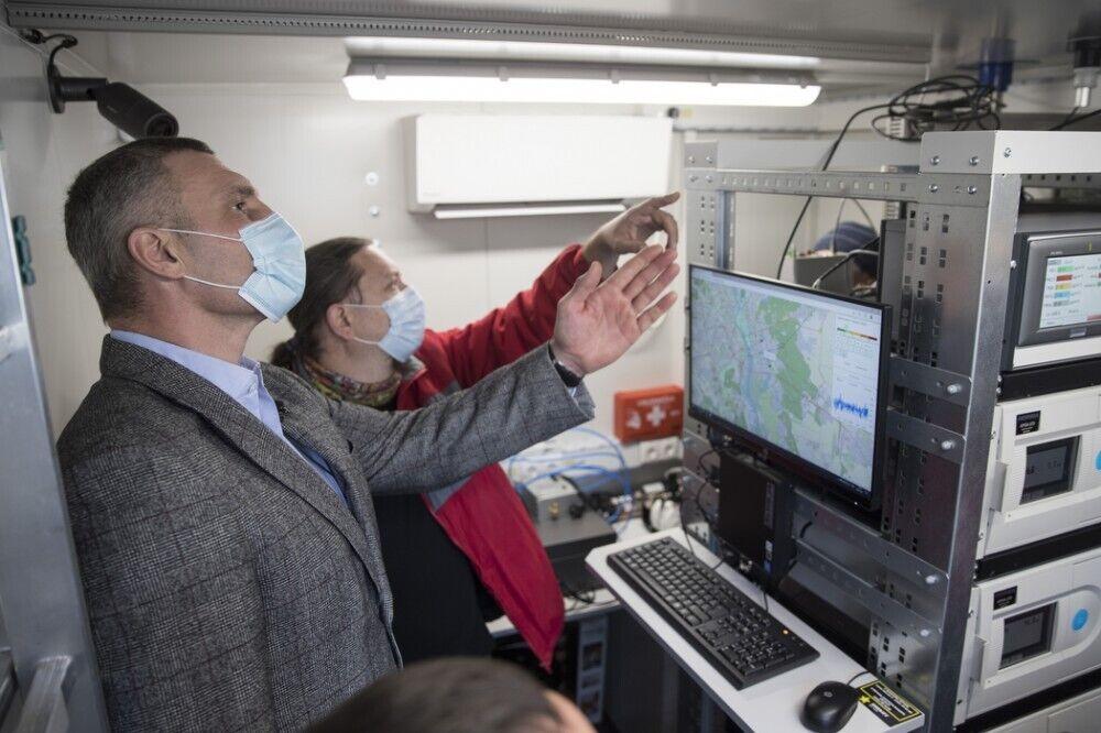 Кличко перевірив, як працюють пости моніторингу повітря