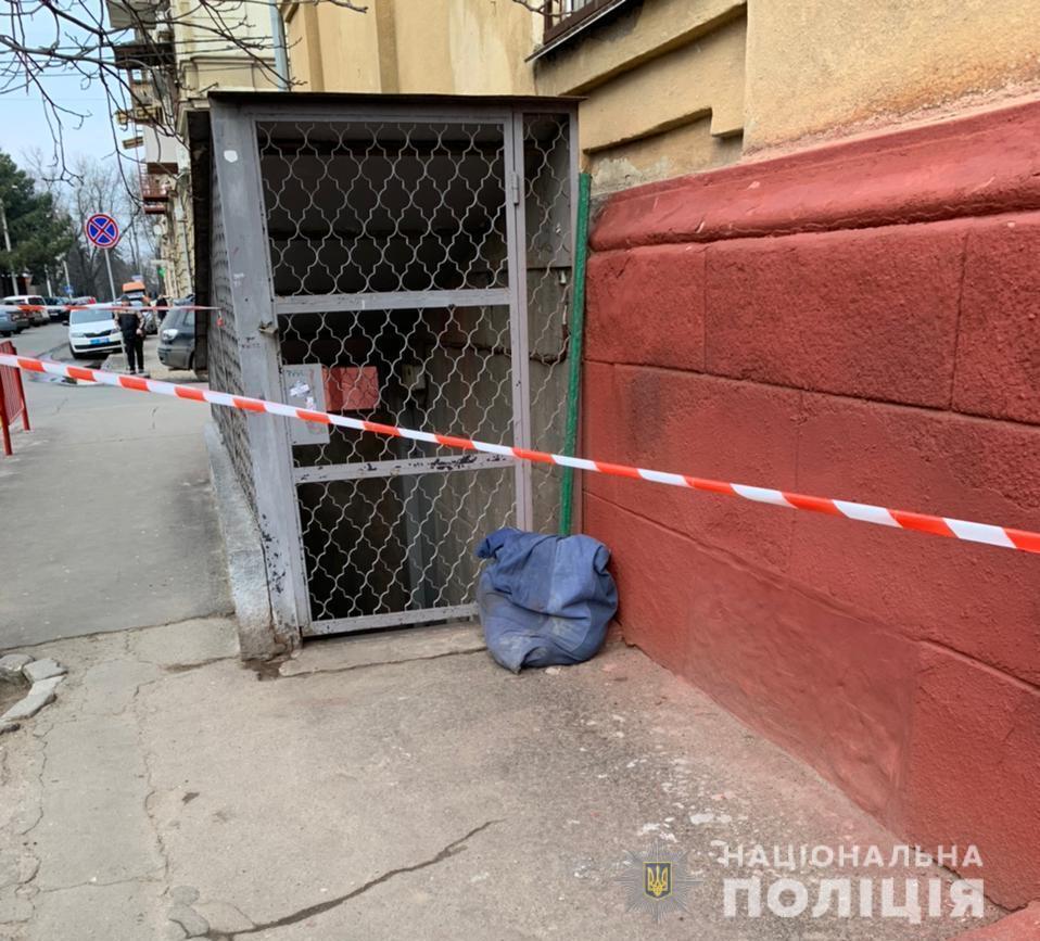 В Одесі в мішку знайшли тіло жінки