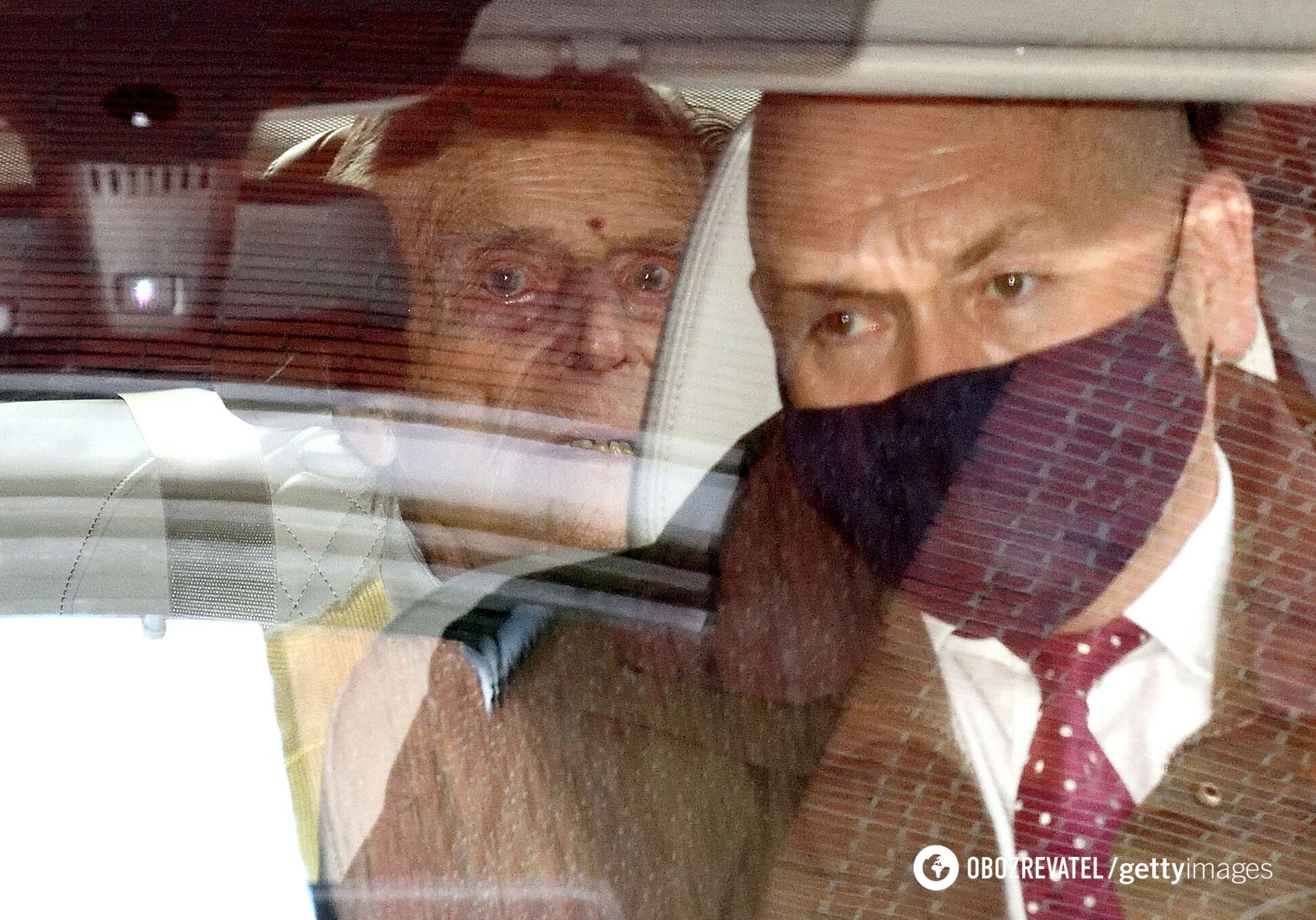 Принц Филипп покидает больницу