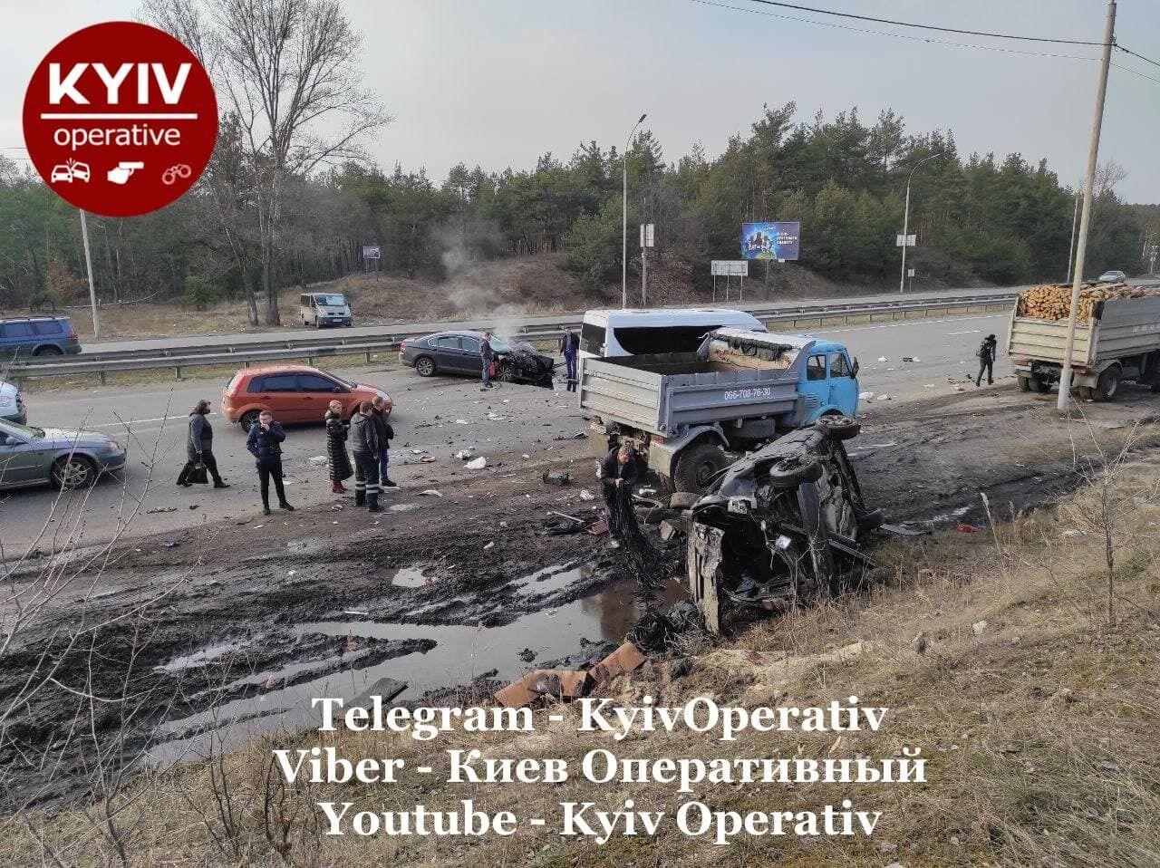 ДТП с грузовиком в Киеве.