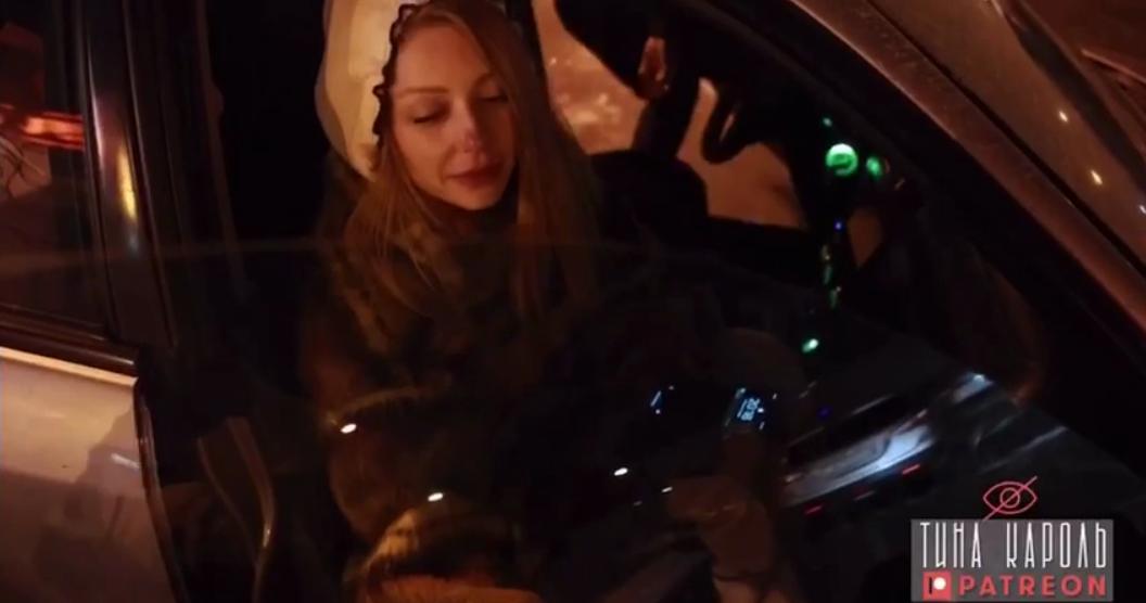 Кадр из видео с Тиной Кароль