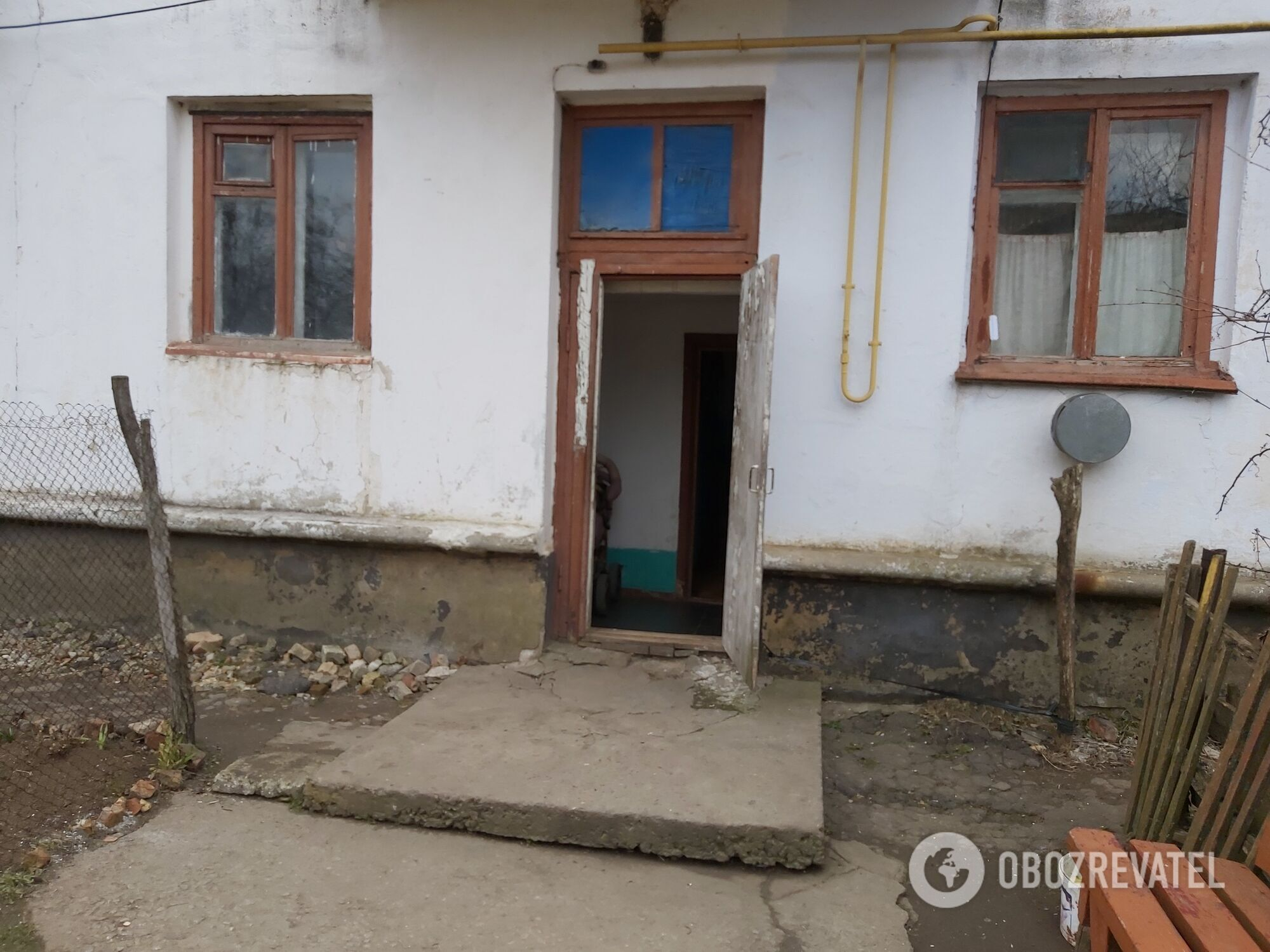 Будинок, де жив підозрюваний.