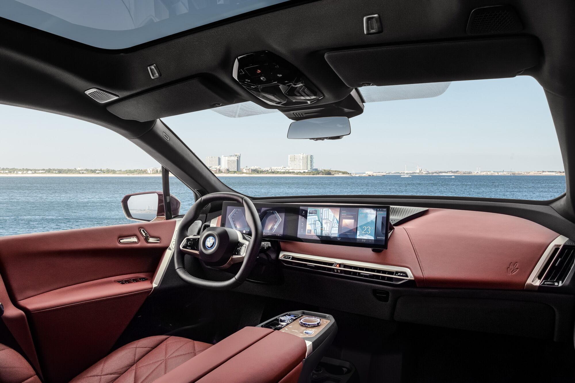 iX стане першим автомобілем BMW, який отримає абсолютно нову інформаційно-розважальну систему iDrive 8-го покоління