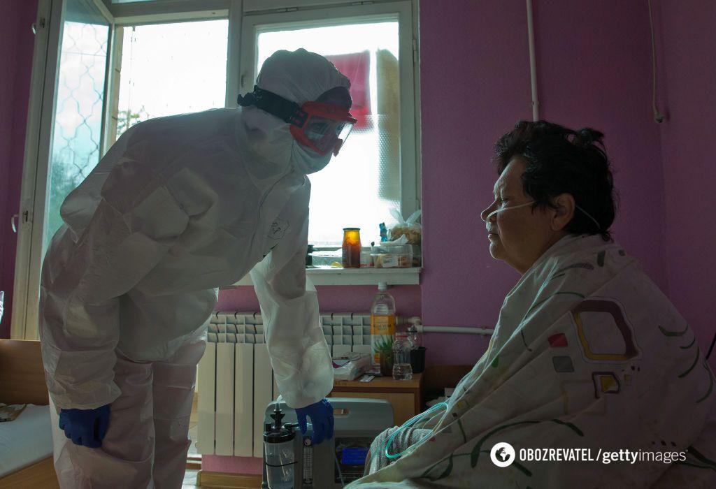 У Криму вакцини закінчилися, а ліжка під COVID-19 скорочують
