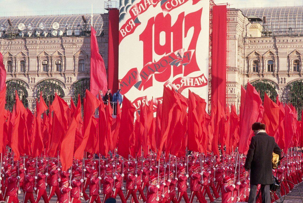 """Вот почему люди хотят """"назад в СССР"""""""