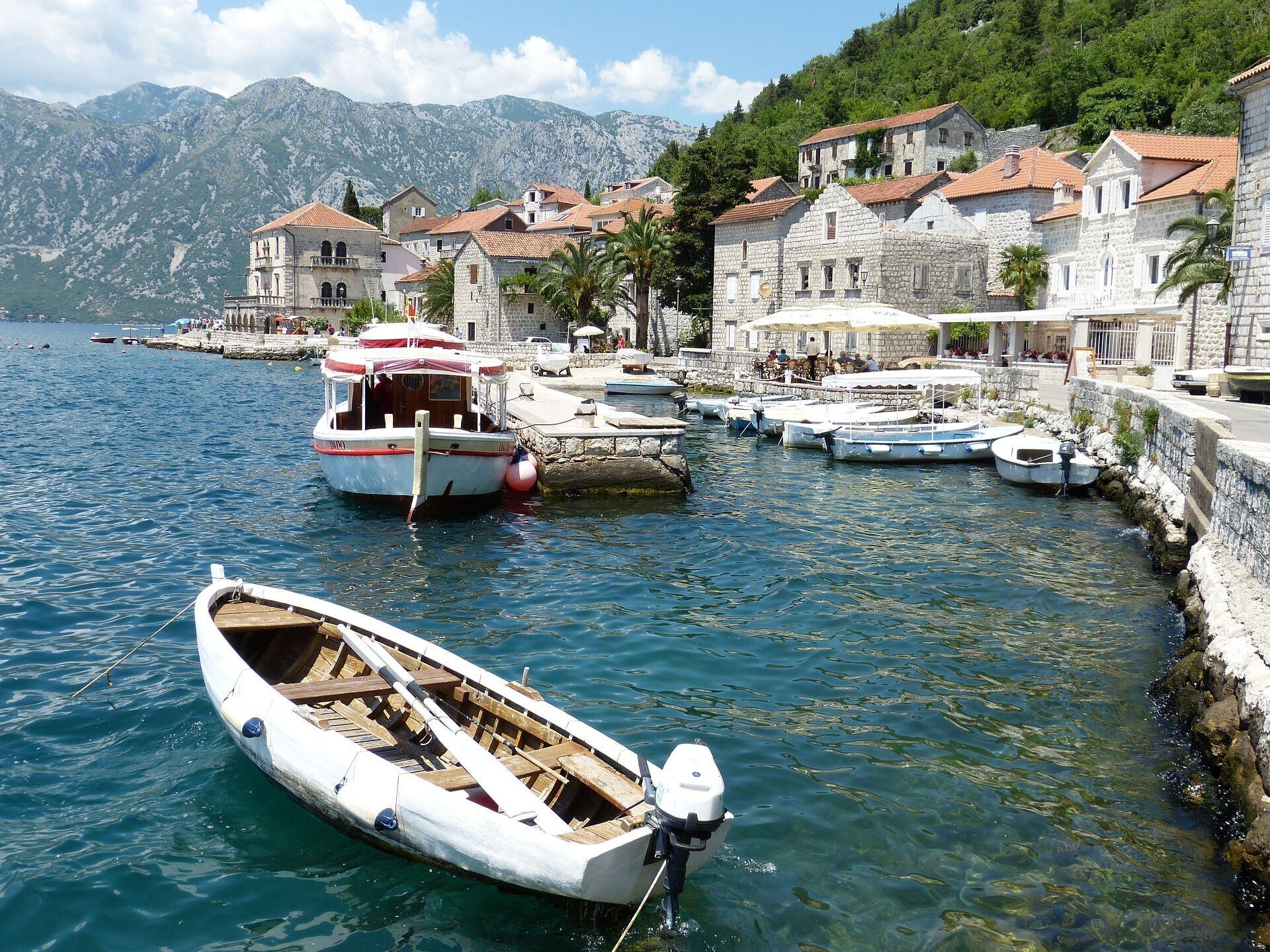 У Чорногорію краще їхати влітку, щоб поплавати в Адріатичному морі