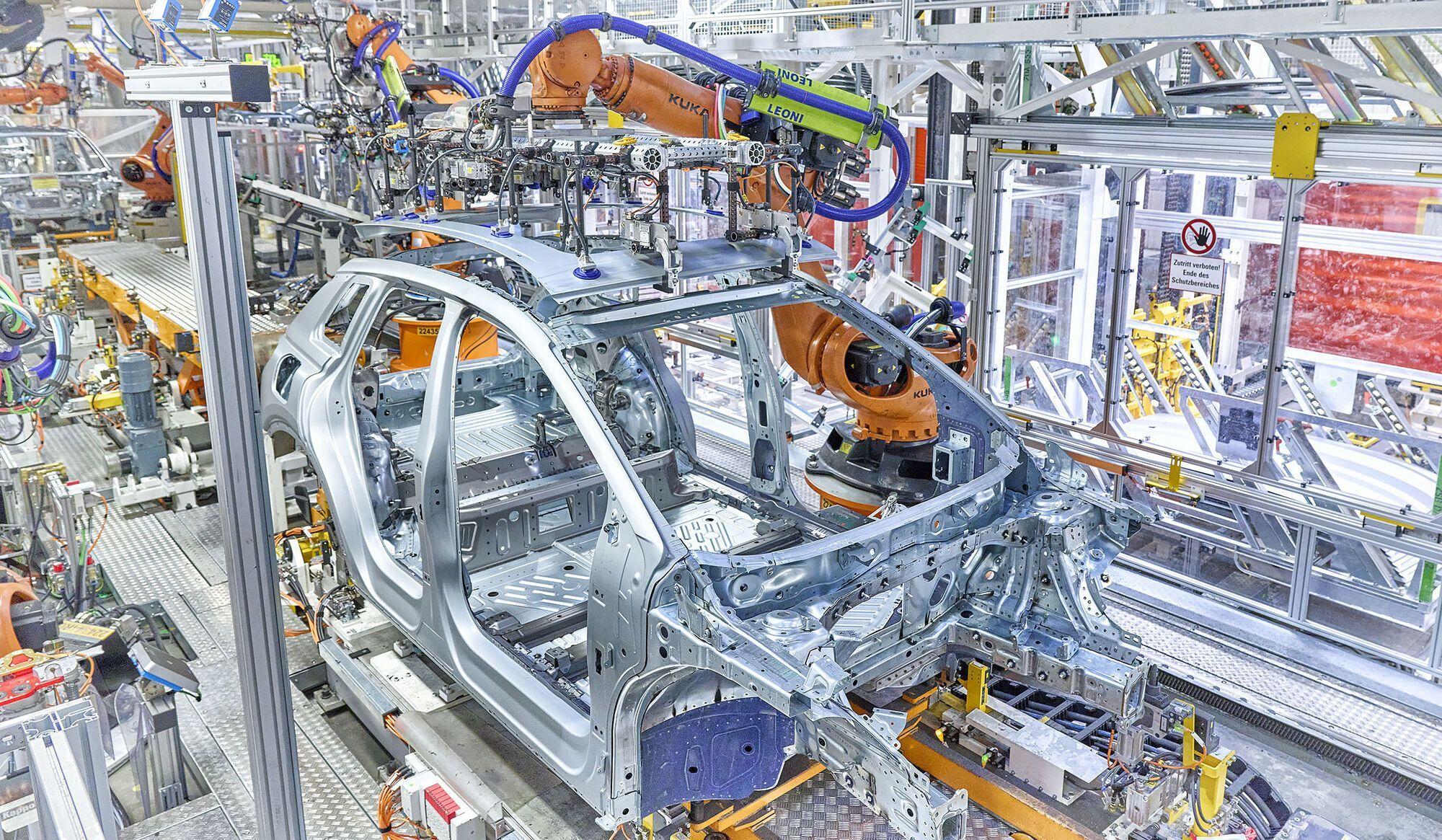 Audi Q4 e-tron станет первым электро-SUV, который будет выпускаться на заводе компании в Германии