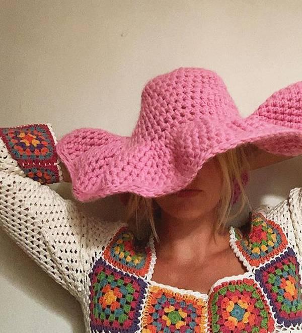 Вязанная шляпа будет в тренде в 2021 году