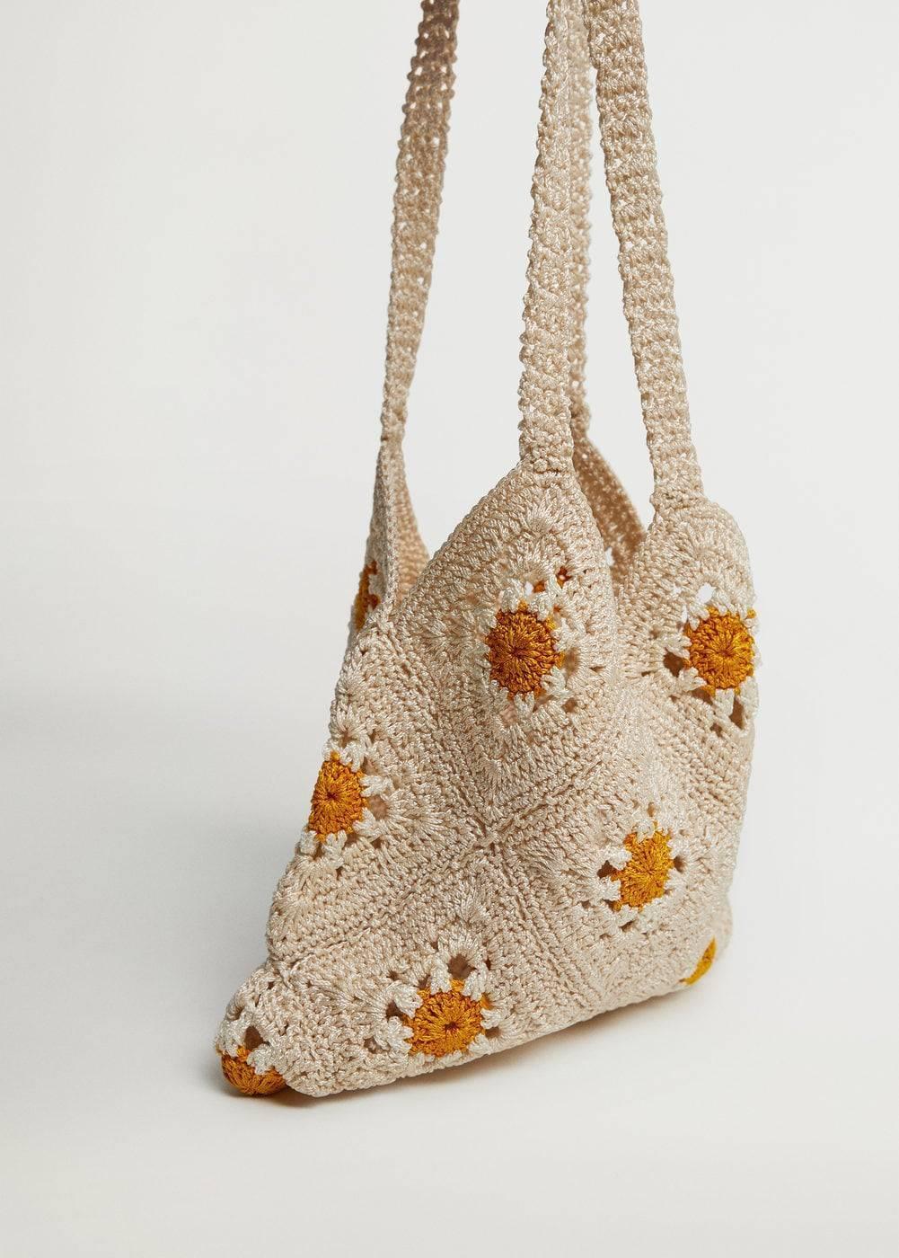 Цветочная сумка снова в моде
