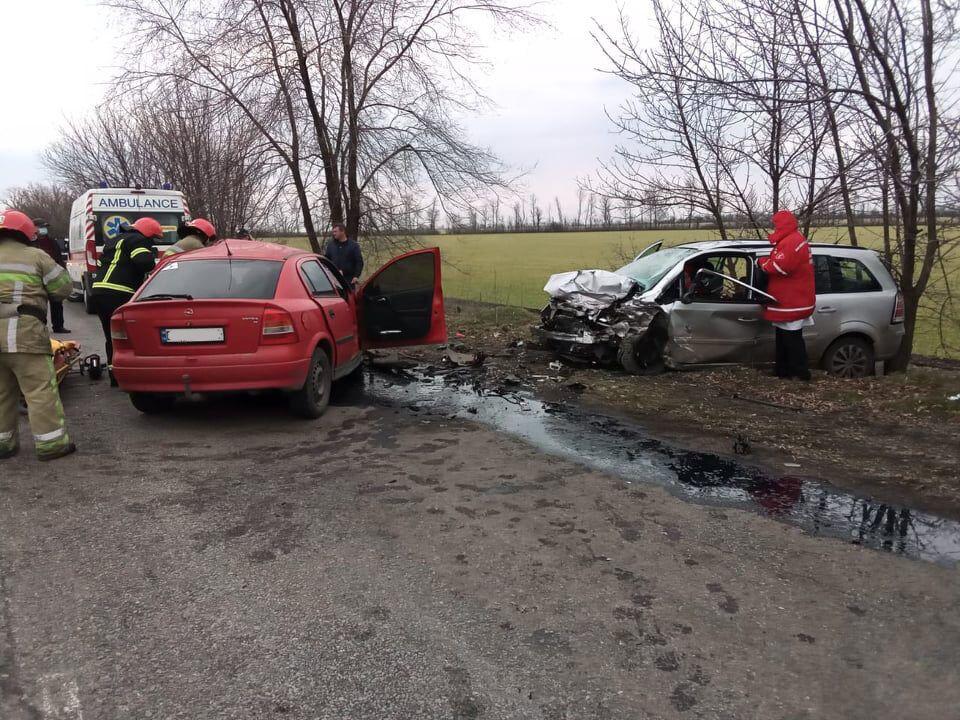 Столкнулись Opel Astra и Opel Zafira