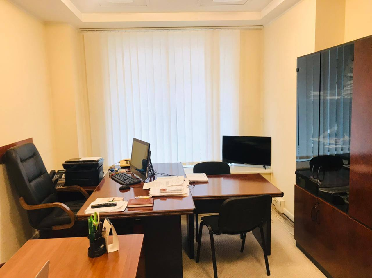 Нардепка показала робочі кабінети у ВРУ.